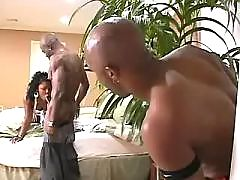 Black beauty catching jizz in mouth